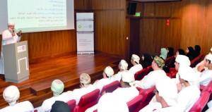 محاضرة تبرز جهود ومؤلفات الشاعر العماني أبي مسلم البهلاني بالمتحف الوطني