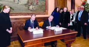 المتحف الوطني يوقع ٣ اتفاقيات مع متحف الإرميتاج الروسي تتضمن إنشاء ركن عُمان بمقر قصر الشتاء العريق
