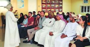 """""""تاريخ عمان"""" في محاضرة بكلية السلطان قابوس لتعليم اللغة العربية للناطقين بغيرها"""