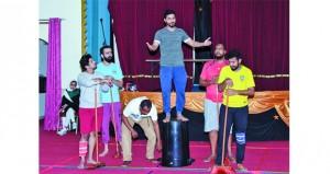 """""""التنمية الاجتماعية"""" تشارك بـ """"العمّال"""" في المهرجان المسرحي لذوي الإعاقة بالكويت"""