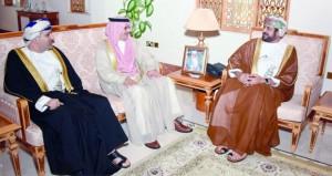 وزير الخدمة المدنية يستقبل مدير عام المنظمة العربية للتنمية الادارية