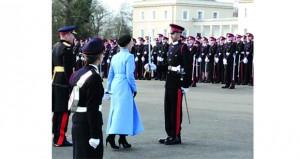 أحد ضباط الجيش السلطاني العماني يحصل على سيف الشرف من أكاديمية ساندهيرست بالمملكة المتحدة