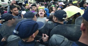 الجزائر: تظاهرات (معا وضد) الانتخابات الرئاسية.. واستمرار التصويت بالخارج
