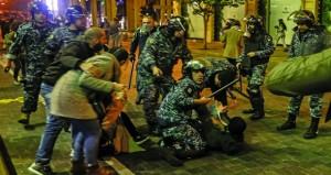 لبنان: مواجهات عنيفة بين الأمن ومحتجين .. وإحراق مكتبي (تيار المستقبل) و(الوطني الحر)