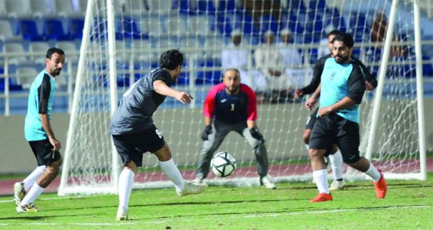 المراسم السلطانية ومركز السلطان قابوس يدشنان البطولة الخامسة لوحدات ديوان البلاط السلطاني لكرة القدم