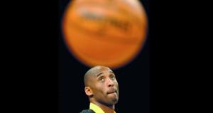 وفاة نجم كرة السلة الاميركية كوبي براينت في تحطم مروحية
