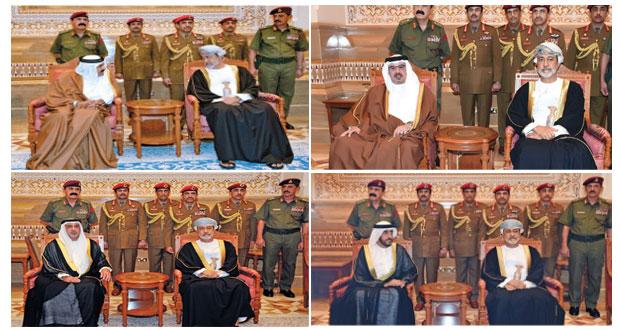 جلالة السلطان يستقبل وفود المعزين من دول العالم
