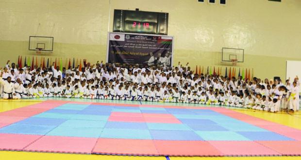 أكاديمية الكاراتيه تنظم الدورة التدريبية الدولية الرابعة عشرة بمشاركة دولية واسعة