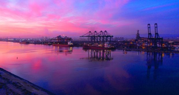 الميزان التجاري للسلطنة يسجل فائضا بأكثر من 4 مليارات ريال عماني بنهاية سبتمبر مسجلا ارتفاعا بنسبة 8.78 بالمائة