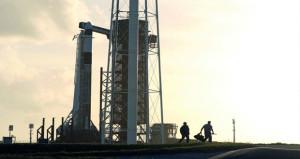 سبيس إكس تجري تجربة قبل استئناف رحلات للفضاء