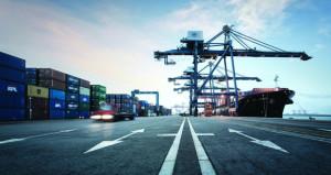 موانىء السلطنة ضمن الأفضل عالميا من حيث حجم الشحن والمناولة