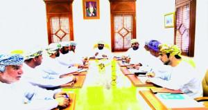 اجتماع لجنة الشؤون الصحية والإجتماعية والبيئية بالمجلس البلدي بشمال الباطنة
