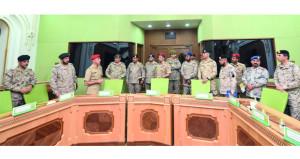 آمر كلية الدفاع الوطني بالإنابة يستقبل وفد دورة الحرب (11) بالمملكة العربية السعودية