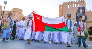 أفراح أبناء عمان باستقرار صحة جلالته تتواصل بنزوى وعبري ونخل