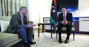 قمة ليبيا: خطوات شاملة لحل سياسي وحظر تصدير السلاح