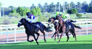 """المهرة (عمانية) لناصر الحشار تتوج في سباق """"دلما"""" بأبوظبي"""
