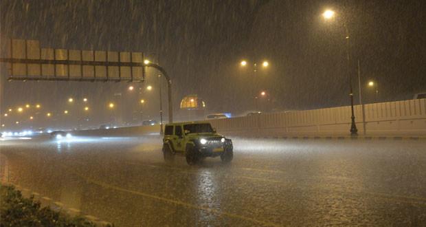 أمطار متفاوتة الغزارة بشمال السلطنة وتوقعات بانخفاض الحرارة