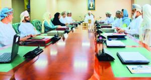 اللجنة العُمانية لحقوق الإنسان تستعرض برنامج التوعية بحقوق الطفل