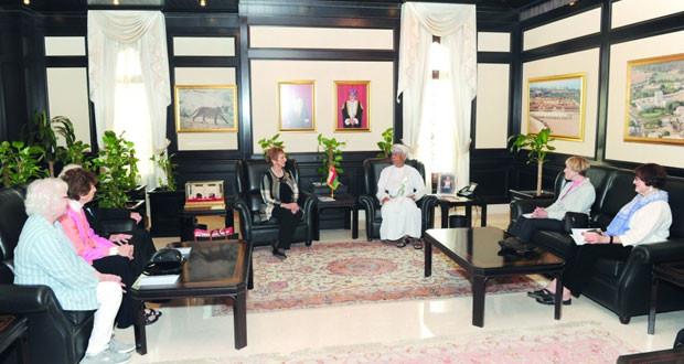 مستشار جلالة السلطان للشؤون الثقافية يستقبل وفد المجلس الوطني للعلاقات العربية ـ الأميركية