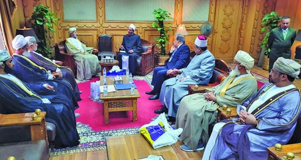 لجنة التعاون المشترك بين الأزهر الشريف والأوقاف والشؤون الدينية تعقد اجتماعا لها في القاهرة