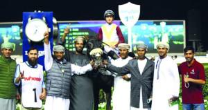 الحصان (راسي) لمسلم قطن يفوز بالمركز الأول على مضمار ميدان الإماراتي