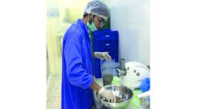 """طلبة التقنية ينتجون """"بديلا للأسمدة الكيميائية"""" من مواد صديقة للبيئة"""