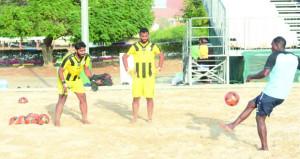منتخبنا الوطني لكرة القدم الشاطئية يواصل تدريباته المكثفة بمجمع بوشر