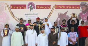 عادل البلوشي يفوز بلقب مسابقة القدرة والتحمل بقطر بمشاركة 37 خيلا ولمسافة 130 كم