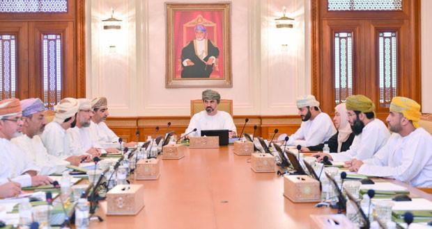 مكتب مجلس الشورى يناقش مقترح توحيد نظام الترقيات بالوحدات الحكومية