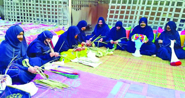 المرأة العمانية شريكة في التنمية وجزء لا يتجزأ من منجزات النهضة في عهد السلطان الراحل