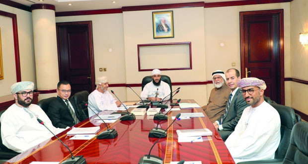 """""""الرقابة الشرعية بالمركزي العماني"""" تستعرض الصعوبات العملية لمنتج الوكالة بالاستثمار"""