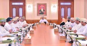 مكتب مجلس الشورى يثمّن الخطاب السامي ويؤكد حرصه على تطوير العملية الشوروية في السلطنة خلال اجتماعه أمس