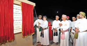 بتكليفٍ سامٍ .. وزير الدولة ومحافظ ظفار يرعى افتتاح (حركة الإنسان على أرض عمان)