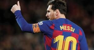 ميسي يؤكد خفض أجور لاعبي برشلونة وينتقد الإدارة
