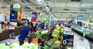 """وكيل وزارة التجارة والصناعة لـ """"الوطن الاقتصادي"""": أسواق السلطنة لم تسجل أي عجز في المواد الغذائية وجهود كبيرة تبذل لتوفير السلع وضمان استقرار الأسواق"""