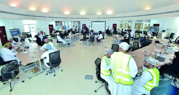 مركز إدارة عمليات البيانات الخاصة بفيروس كورونا (كوفيد ـ 19) بمسقط يتخذ من الكلية التقنية العليا مقرّا له