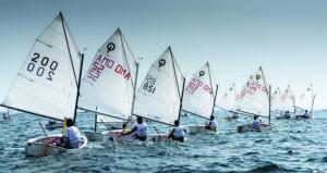 """""""عُمان للإبحار""""تنفّذ برنامجا تدريبيا إلكترونيا خلال شهر رمضان لصقل المهارات المعرفية والبدنية للبحّارة والمدربين"""
