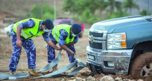 شرطة عمان السلطانية تتعامل مع أكثر من 145 بلاغاً خلال الحالة المدارية على محافظة ظفار