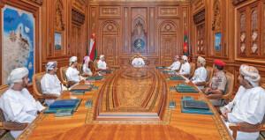 جلالة السلطان يترأس اجتماع اللجنة العليا .. ويشير إلى أهمية التأقلم مع الأوضاع المستجدة