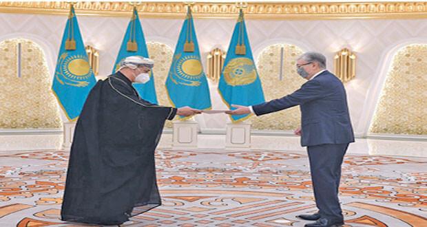 سفير السلطنة لدى كازاخستان يقدم أوراق اعتماده