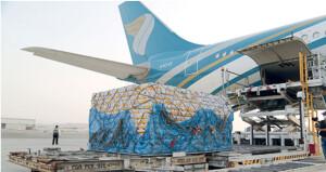 الطيران العماني يواصل خدماته عبر سلسلة رحلات الشحن الجوي