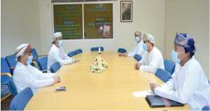 تعزيز سبل التعاون المشترك بين الكشافة ومستشفى نزوى المرجعي