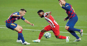 سيتين يعترف بصعوبة وضع برشلونة في الدوري الإسباني بعد التعادل مع أتلتيكو
