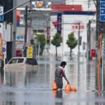 فقدان 9 بانهيارات أرضية في الصين .. والأمطار الغزيرة تتواصل باليابان