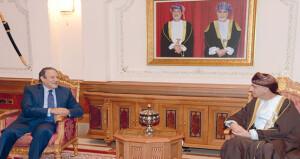 بمناسبة انتهاء فترة عمله فهد بن محمود يستقبل سفير جمهورية العراق المعتمد لدى السلطنة