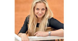 لاعبة التنس الألمانية ليزيكي تؤكد أنها تواصل العمل استعدادا لعودة البطولات