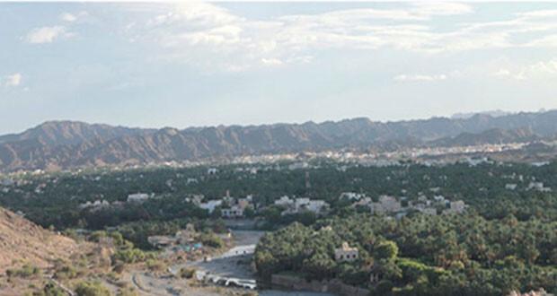 صورة بانورامية من أعلى جبل الحوراء لمدينة نزوى
