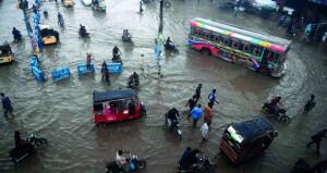 أمطار وفيضانات تتسبب في وفاة العشرات في باكستان وكوريا الجنوبية
