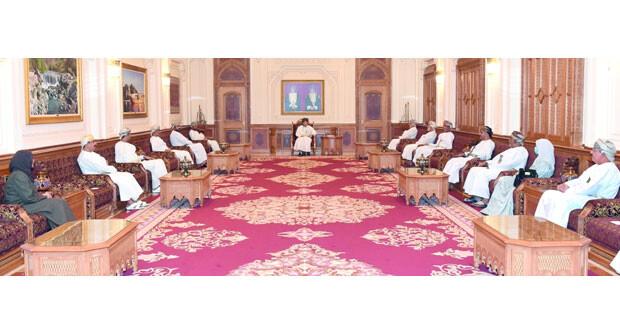 فهد بن محمود يستقبل أعضاء مجلس الوزراء السابقين