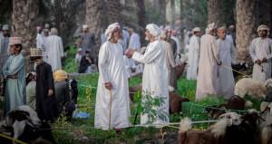 اسحاق الزكــواني يسلط عدسته نحو توثيق العادات والتقاليد العمانية الأصيلة